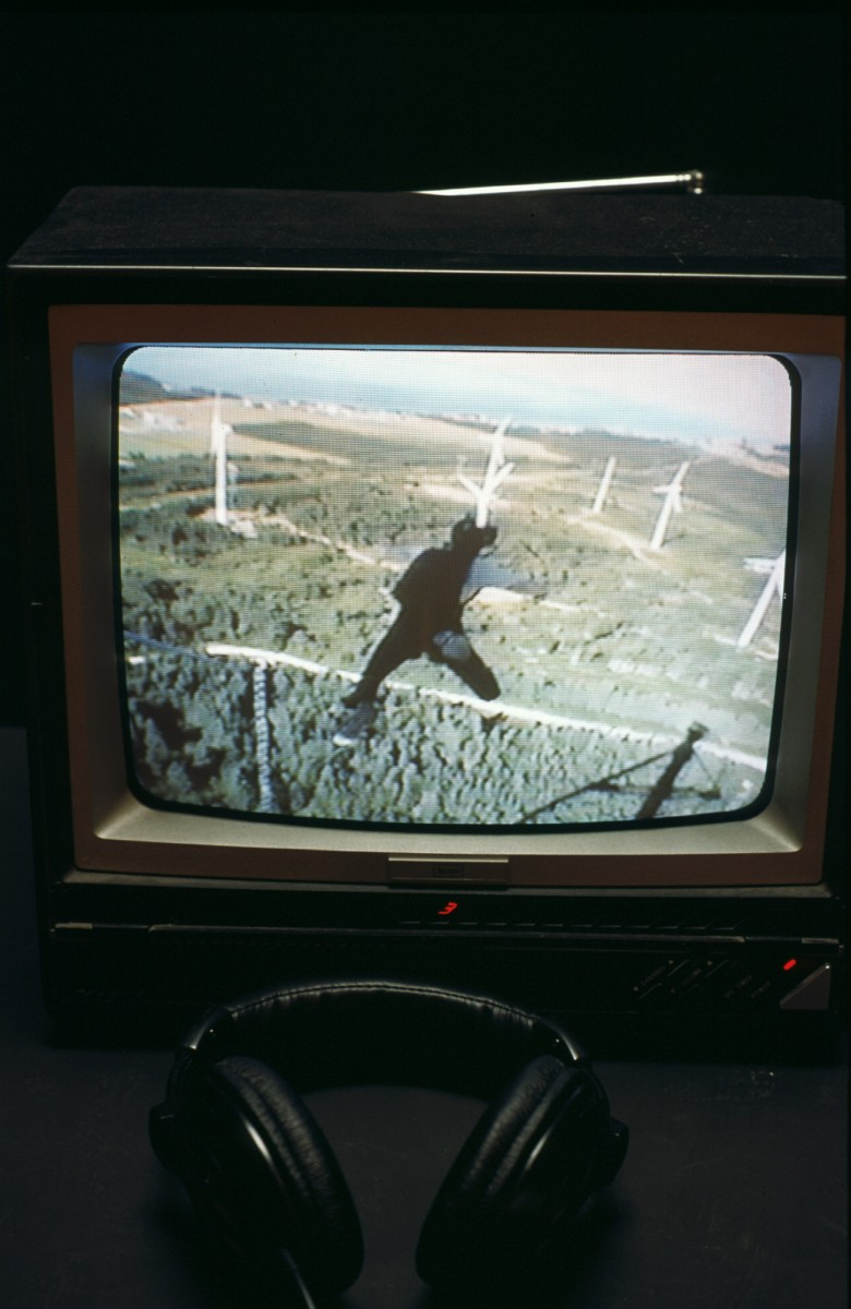 Éole, 2002 –  													Detail showing tv monitor and headphones