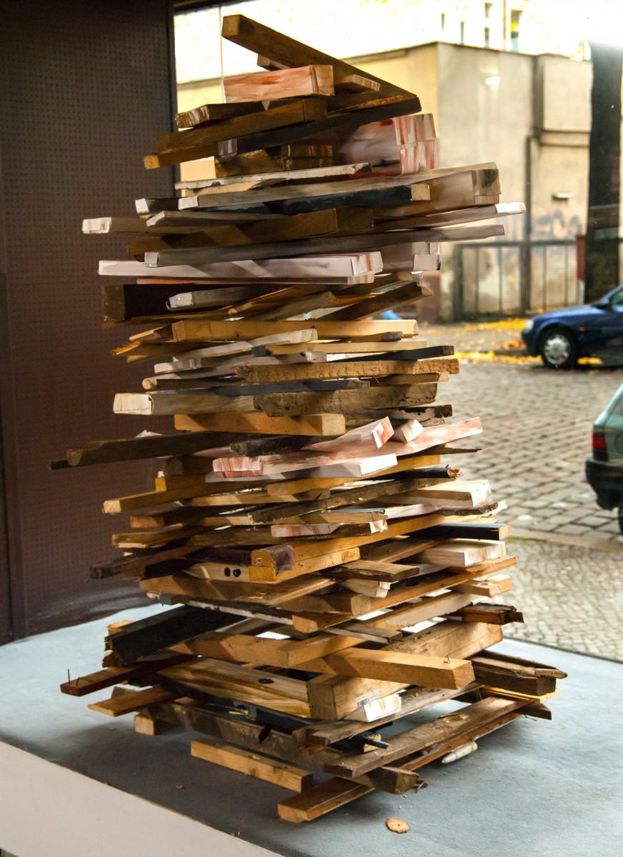 <i>Wood vs Wood  (final sculpture)</i> – Final sculpture, 2008 <a href='https://paullitherland.com/artsite_wp/wp-content/uploads/2014/04/PaulLitherland-WoodvsWood2008_Sculpture03-872x1200.jpg' target='_blank'><img src='https://paullitherland.com/artsite_wp/wp-content/themes/artpress-child/img/artworkDownloadImg.png' title='télécharger image / download image' /></a>