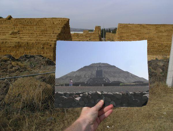 <i>Teotihuacan Hay Bale</i> – Teotihuacan Hay Bale, 2005 <a href='https://paullitherland.com/artsite_wp/wp-content/uploads/2014/05/PaulLitherland-ArtPhotography2005_teotihuacanhaybale.jpg' target='_blank'><img src='https://paullitherland.com/artsite_wp/wp-content/themes/artpress-child/img/artworkDownloadImg.png' title='télécharger image / download image' /></a>